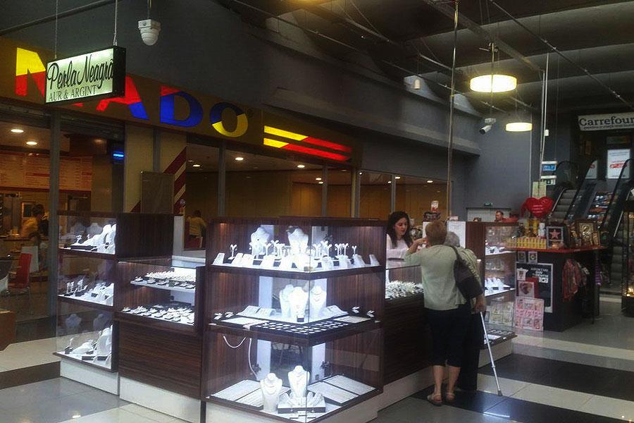 perla-neagra-Shopping-Center-Botosani