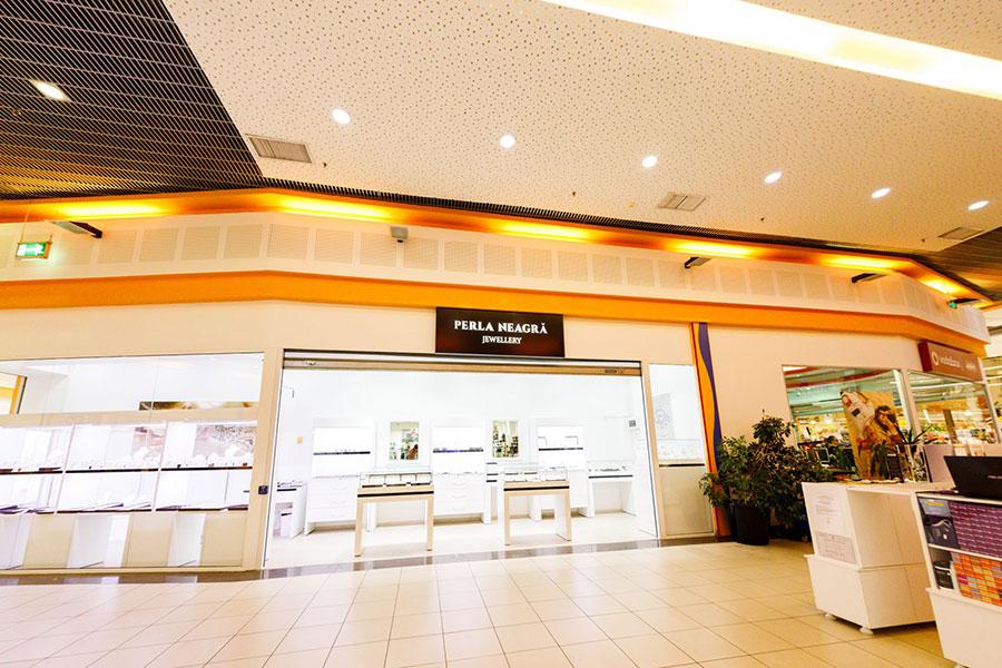 perla-neagra-Shopping-Center-Suceavai